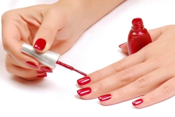 How to avoid getting nail polish on your fingers