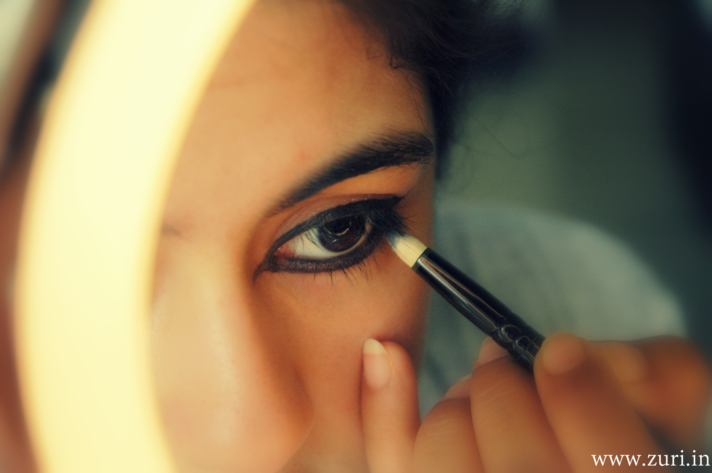 how to put eyeliner on top waterline