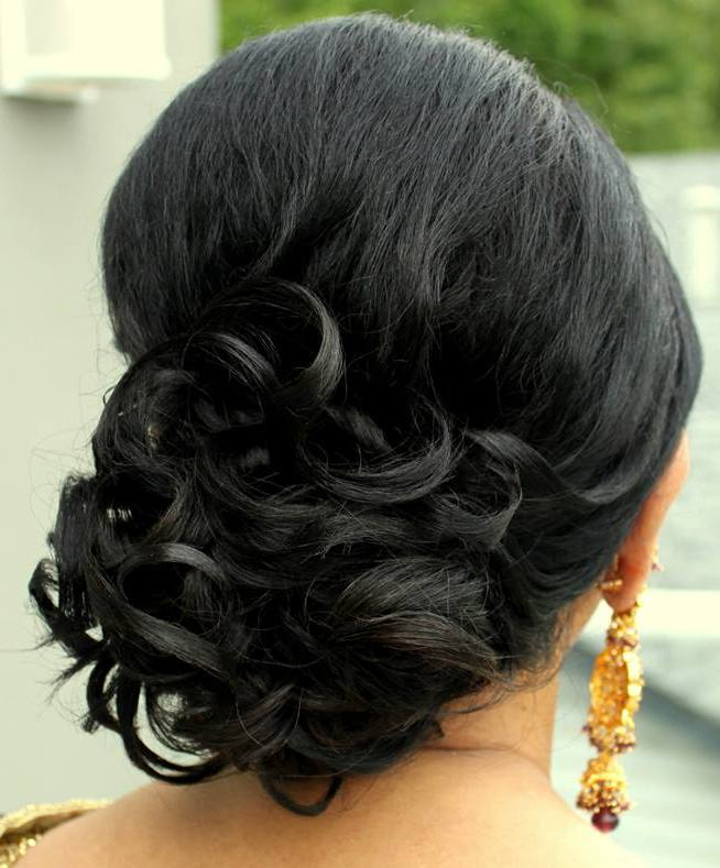21 Gorgeous Indian Bridal Hairstyles