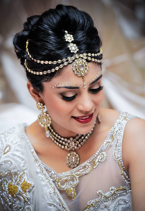 Admirable 21 Gorgeous Indian Bridal Hairstyles Indian Makeup And Beauty Short Hairstyles Gunalazisus