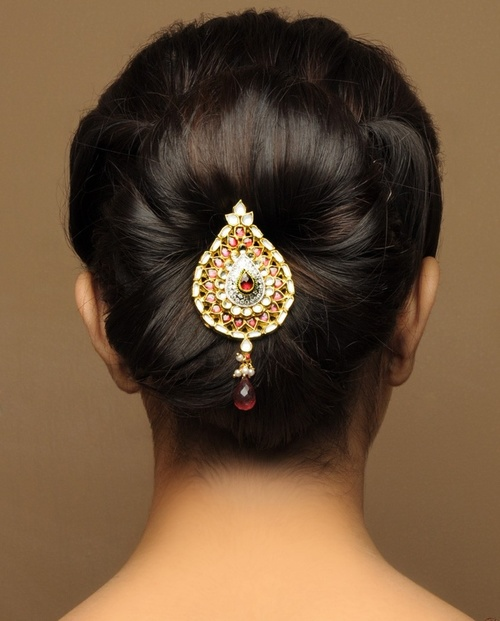 Bridal Hair Accessories For Buns : Gorgeous indian bridal hairstyles zuri