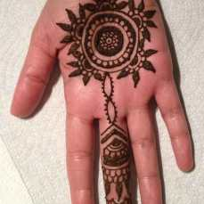 easy mehndi designs for hands 09