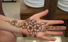easy mehndi designs for hands 35