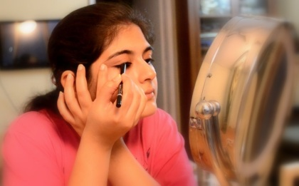 eye makeup with kajal 4