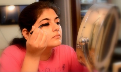 eye makeup with kajal 5