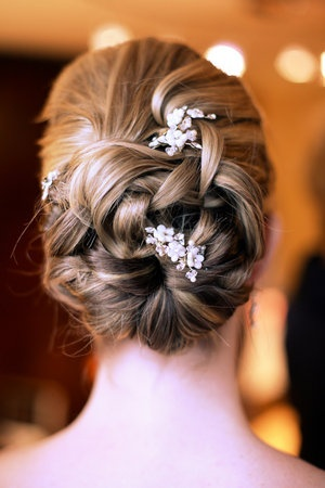 Hairstyles For Short Hair On Lehenga : together with Pink Lehenga Designer besides Hairstyles With Lehenga ...