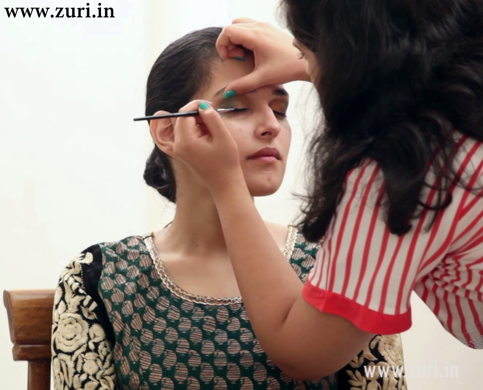 Bridal Face Makeup Step By Step With Pictures : Simple Indian bridal makeup for a cocktail or sangeet ...