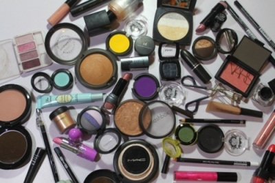 Makeup myths 09