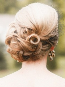 Indian bridal hairstyles updo's 08