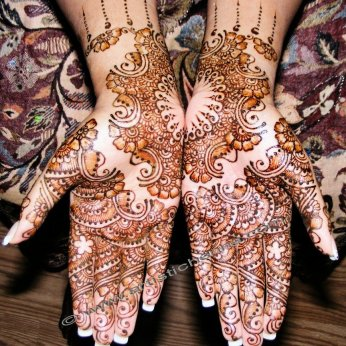 Mehandi designs by Bharathi 25