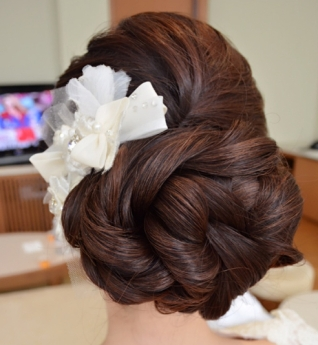 Bridal hairstyles buns 19