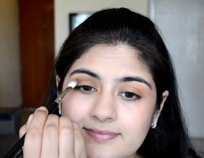 How to apply makeup - Chic bronze and purple eye makeup 08