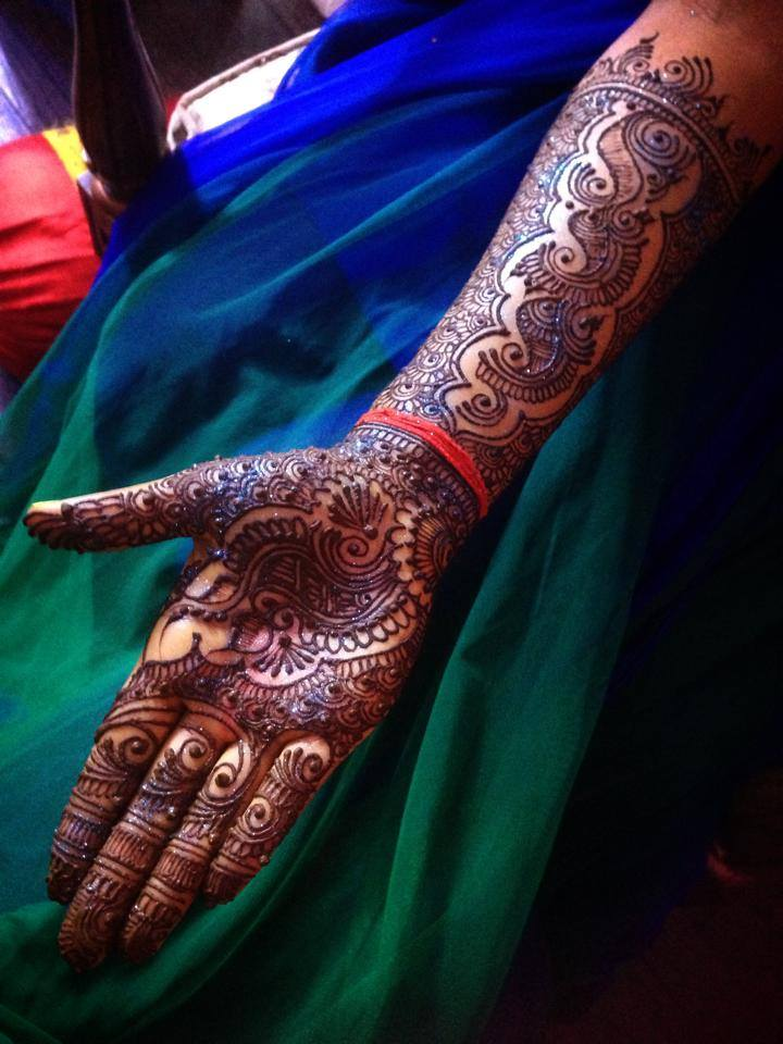 Indian dulhan mehndi designs 2 male models picture for Dijain photo