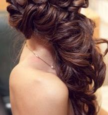 gorgeous hairstyles for navratri nights 05