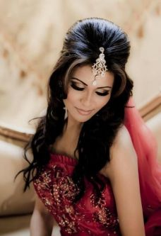 gorgeous hairstyles for navratri nights 06