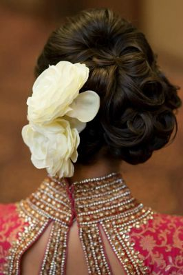 gorgeous hairstyles for navratri nights 07