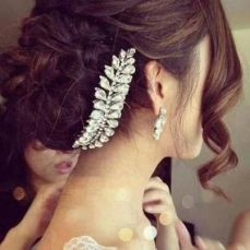 gorgeous hairstyles for navratri nights 08
