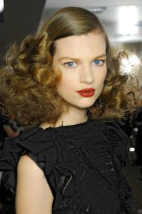 hairstyles for curly hair 12