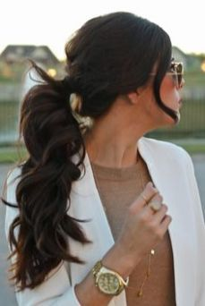 hairstyles for curly hair 19