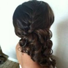 hairstyles for curly hair 21