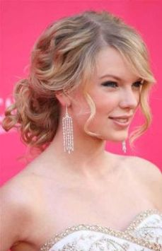 hairstyles for curly hair 24