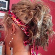 hairstyles for curly hair 27