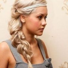 hairstyles for curly hair 28