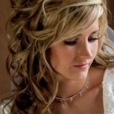 hairstyles for curly hair 29