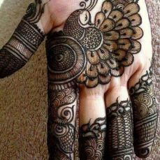 uber cool mehndi designs for navratri 11