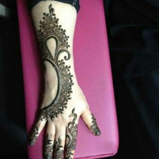 uber cool mehndi designs for navratri 14