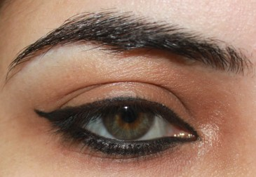 How to apply eyeliner 21