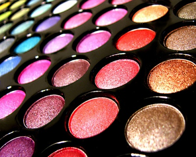 makeup gifts to give to your loved ones this Diwali 08