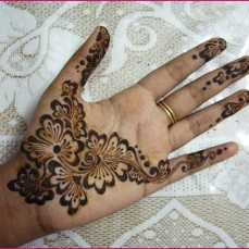 Simple mehndi design for hands 87