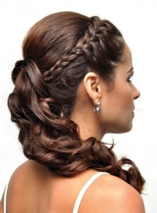 Braid and bun hairstyles for Gurupurab 18
