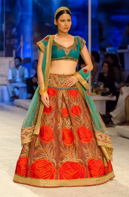 9 Best bridal lehengas for this season | Indian Makeup and Beauty Blog | Beauty tips | Eye ...