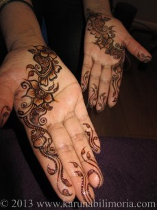 Mehndi design by Karuna 05