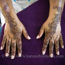 Mehndi design by Karuna 18