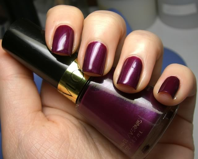 Top 10 Nail polish colors to wear on your wedding day | Indian ...