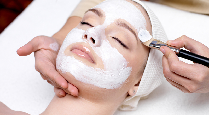 Christmas Facial.7 Trendy Beauty Tips To Look Glamorous This Christmas Indian