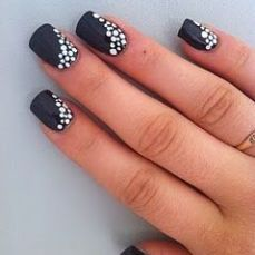 easy nail art designs for New Years 02