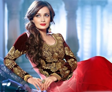 Hairstyles to wear with Pakistani salwar kameez 11