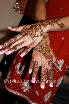 Mehndi design by Nisha 16