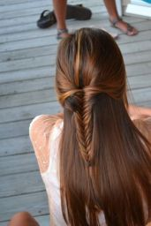 simple hairstyles for long hair 19