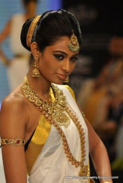 Hairstyles for South Indian Bride 05