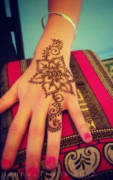 mehndi designs for hands 14