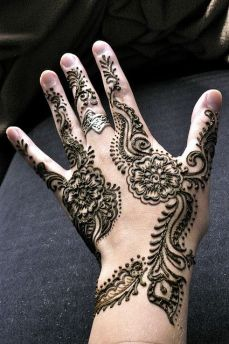 mehndi designs for hands 23