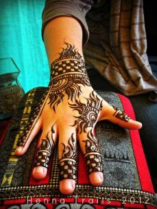 mehndi designs for hands 27