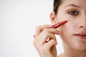 Tips and Tricks to Effectively Cover Dark Circles and Puffy Under Eyes 04