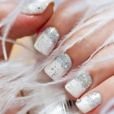 Winter inspired nail art designs 12