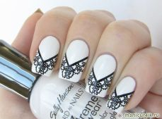 Winter inspired nail art designs 14
